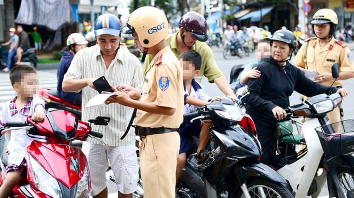 Mức phạt lỗi không bằng lái xe máy phạt bao nhiêu?
